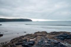 岩石到海 库存照片