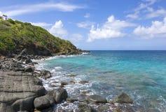 岩石加勒比岛海岸 免版税库存照片