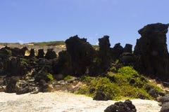 黑岩石和五颜六色的峭壁在负子蟾 库存图片