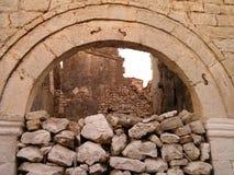 岩石和拱道 库存照片