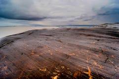 岩石和海在赫尔辛基在芬兰 免版税库存照片