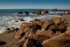 岩石和海洋 图库摄影