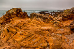 岩石和海洋 免版税库存图片