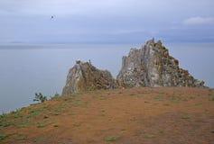 岩石和湖的看法 图库摄影