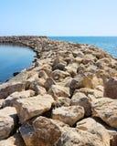 岩石和石头行  免版税库存照片