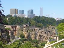 岩石和砖大墙壁在卢森堡 库存照片