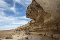 岩石和蓝天 图库摄影