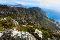 岩石和风景在桌山南Af顶部 库存图片