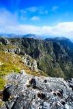 岩石和风景在桌山,开普敦顶部 免版税库存图片