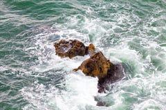 岩石和waes 免版税库存图片