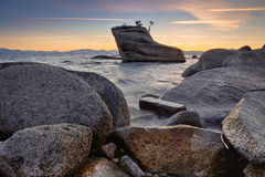 岩石在太浩湖 免版税库存图片