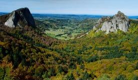 岩石在奥韦涅在法国 免版税库存图片