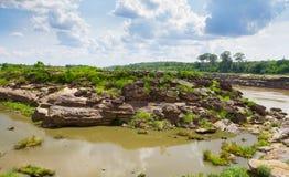 岩石在河 免版税图库摄影