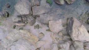 岩石在海洋,从上面被观看 图库摄影