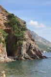 岩石在海 库存图片