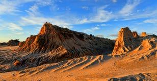 岩石地形在澳洲内地沙漠 免版税库存照片