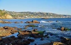 岩石堆海滩、海斯勒公园和拉古纳海滩,加利福尼亚 免版税库存图片