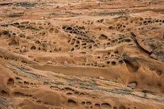岩石层数在推菲尔泉,纳米比亚 库存照片