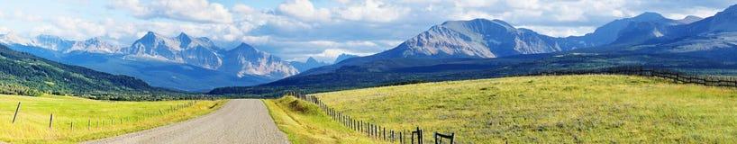 岩石山的全景 免版税库存图片