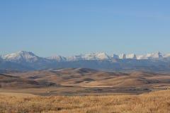 岩石山麓小丘的山 免版税库存图片
