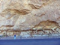 岩石巨大的墙壁在黄石公园的 库存图片