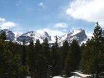 岩石横向的山 库存照片