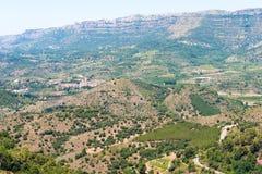 岩石横向 El Montsant, Siurana de普拉德,塔拉贡纳, Catalunya,西班牙的里奇 免版税库存图片