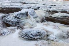 冻岩石河 color ice nice very 免版税库存照片