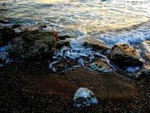 岩石波浪 库存图片