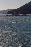 岩石海岛的夫人 免版税库存照片