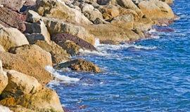 岩石海岸在撒丁岛 免版税库存照片
