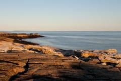 岩石海岸在缅因 免版税库存照片
