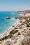 岩石海岸线和海在塞浦路斯 库存图片