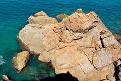 岩石海岸线在镇1770在澳大利亚 库存图片