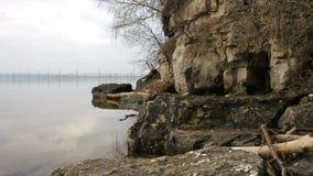 岩石海岸线的Timelapse河 影视素材