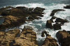 岩石海岸线视图 图库摄影