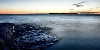 岩石海岸线 免版税库存照片