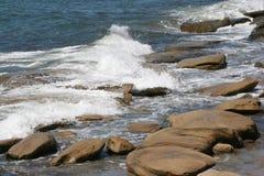 岩石海浪 库存照片