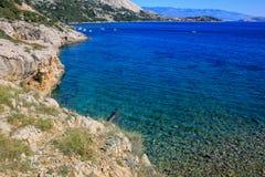 岩石海湾克罗地亚海岛Krk 免版税库存照片