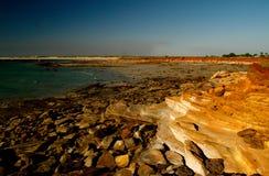 岩石海滩的broome 库存图片