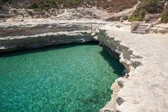 岩石海滩在冬天,马耳他 图库摄影