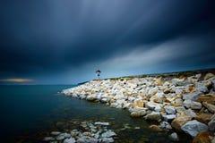 岩石海滩长的曝光 图库摄影