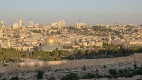 岩石清真寺的圆顶日出视图在耶路撒冷 库存图片