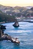 岩石的之家在海湾 库存照片