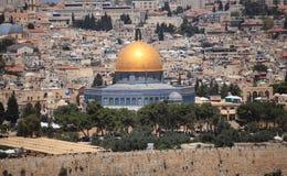 岩石的圆顶在圣殿山的 免版税库存图片