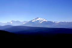 岩石的山脉 免版税库存图片