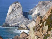 岩石的峭壁 免版税库存图片
