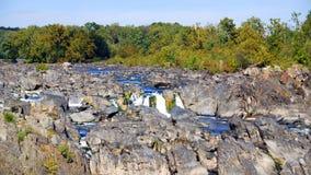岩石的急流 免版税库存照片
