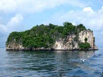 岩石的海岛 图库摄影