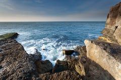岩石的海岸线 库存照片